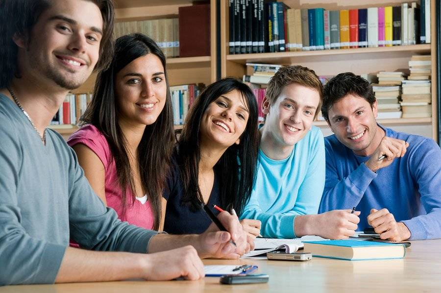 Academia para preparar las pruebas de acceso para mayores de 25 años en Valencia - azul