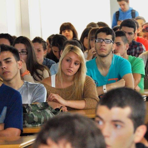 oposiciones en Valencia - clase con estudiantes mayores de 25 años