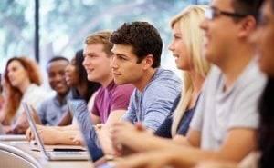 centro de inglés en Valencia - alumnos atentos
