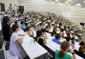 oposiciones para maestros en Valencia - sala con todos reunidos