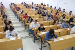 academia para preparar la selectividad en Valencia - examen