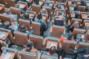 academias de repaso en Valencia - sillas vista