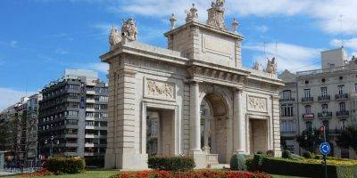 academia en Valencia - puerta del mar
